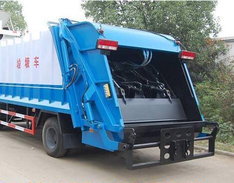 200L Sewage tanker howo 290HP hook arm garbage truck / 4*2 garbage truck for sale