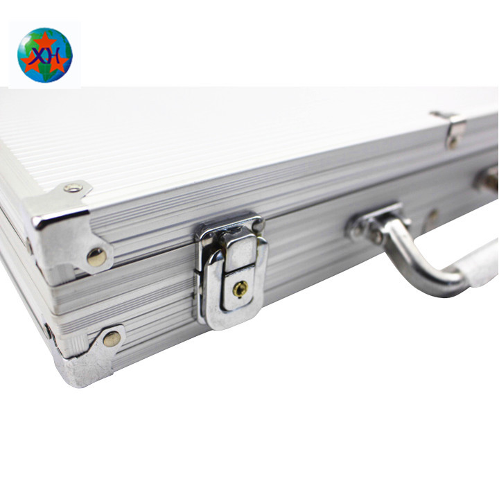 Top quality durable right angle aluminum poker chip case with foam