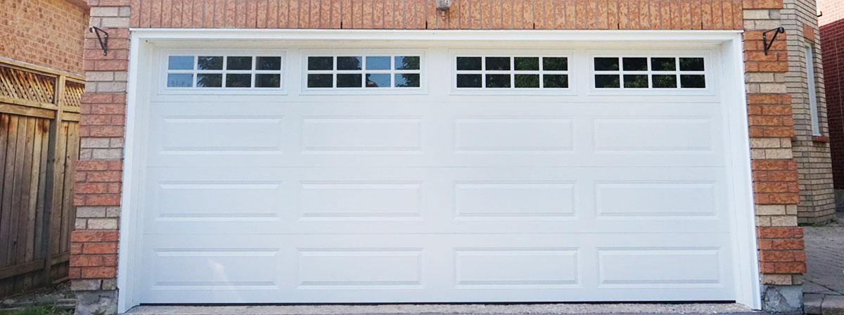 Classic insulated garage door
